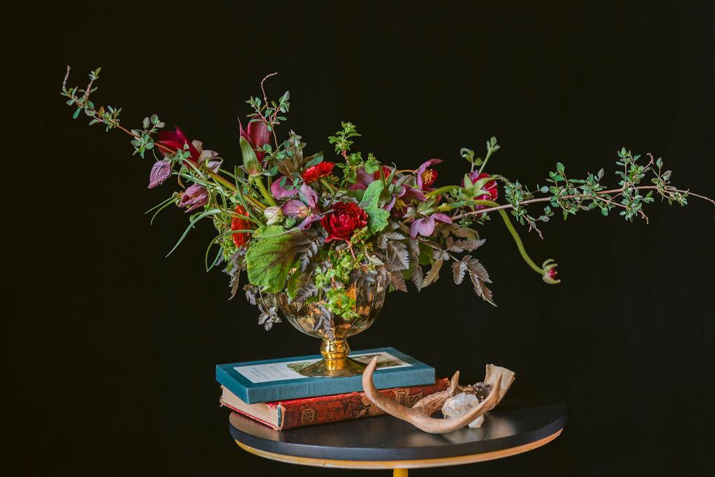 wedding floral arrangement using line as a design principle
