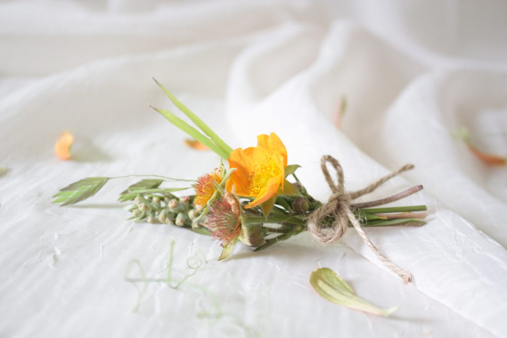 boutonniere for wedding flowers boutonnieres booking a wedding florist what happens after booking a wedding florist