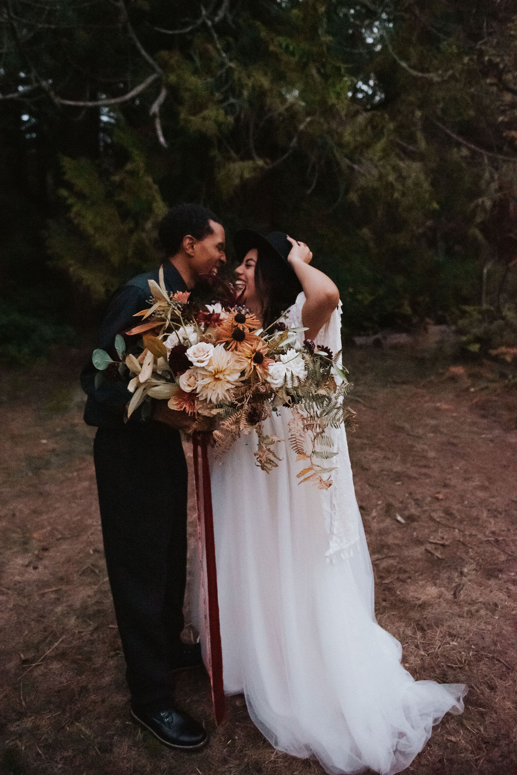 seattle elopement seattle small wedding seattle micro wedding seattle covid wedding seattle wedding flowers seattle wedding florist